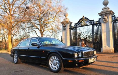 Used Car Dealers London >> Jaguar XJ8 (2002) - Ref: 12066 from classiccars.co.uk
