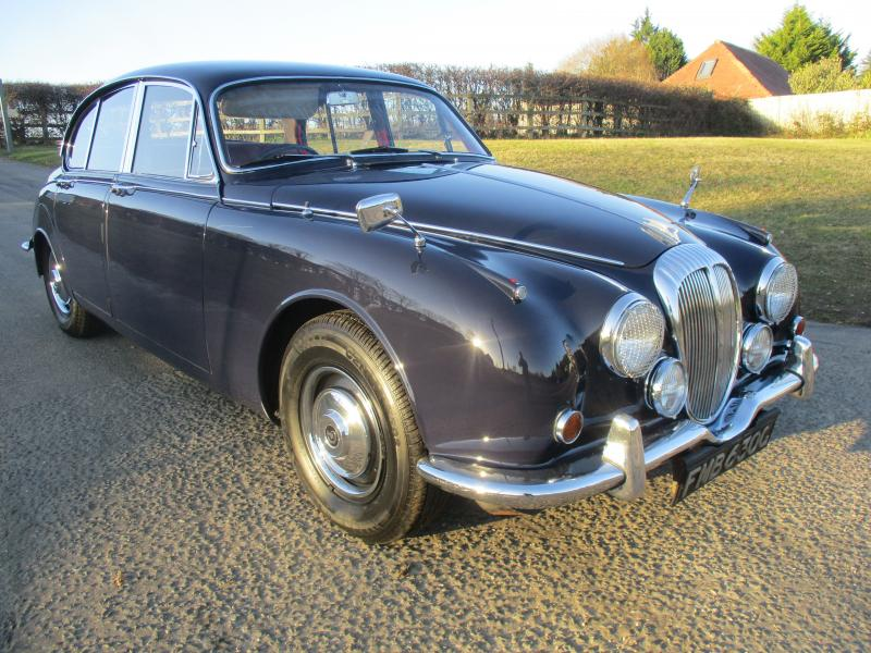 Daimler V8 250 (1968) - Ref: 13461 from classiccars.co.uk