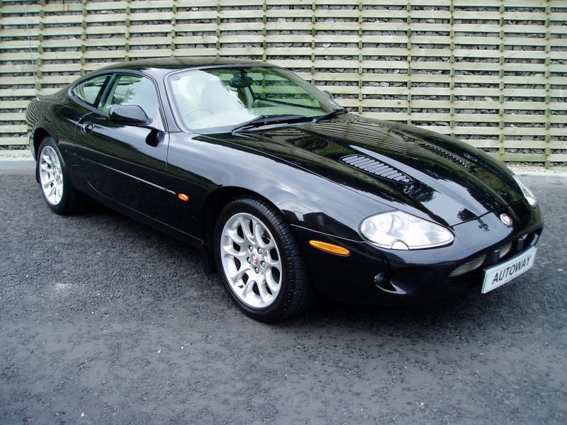 Jaguar Xj220 For Sale >> Jaguar XJR Guide, History and Timeline from ClassicCars.co.uk